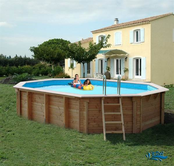 Kit piscine hors sol ou semi enterr bois ovale 5 50m x 3 for Piscine semi enterre