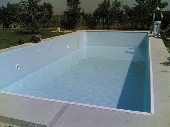 Kit piscine en b ton 7m x 3 50m for Piscine kit beton