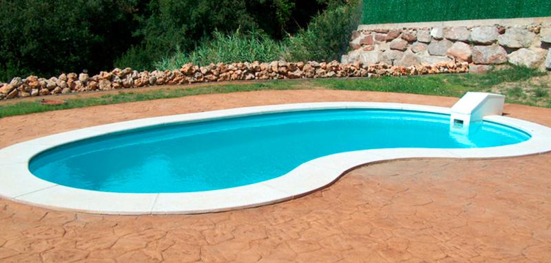Piscine coque polyester haricot mod le orion for Piscine haricot