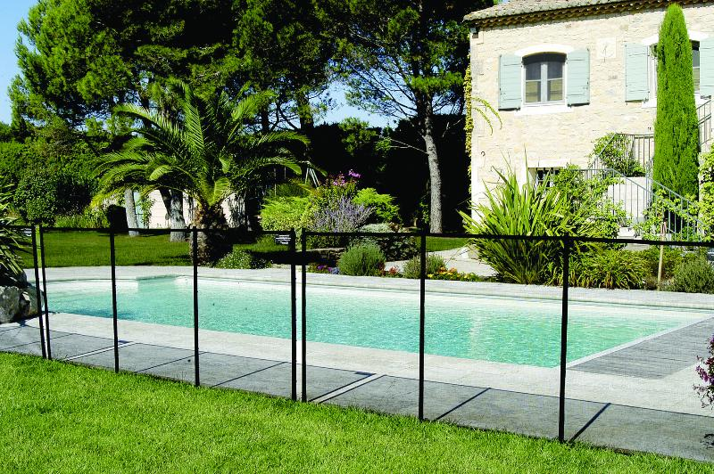 Barri re de protection pour piscine nora for Protection piscine