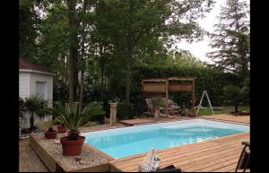 Piscine polyester RECTANGULAIRE 400