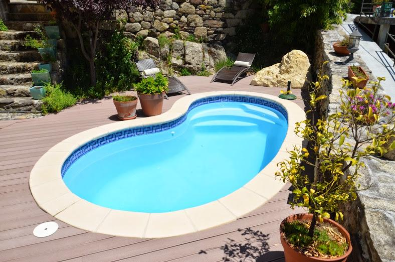 Piscine polyester haricot scorpio for Piscine coque 10m2